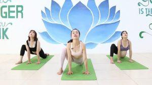 Khóa học Yoga bầu mẹ khỏe con thông minh